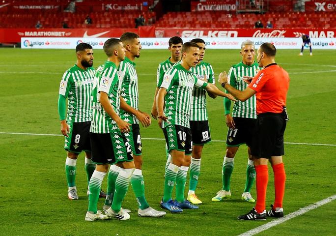 Ronaldo Argentina lập công, Sevilla thắng tưng bừng ngày La Liga trở lại - Ảnh 2.