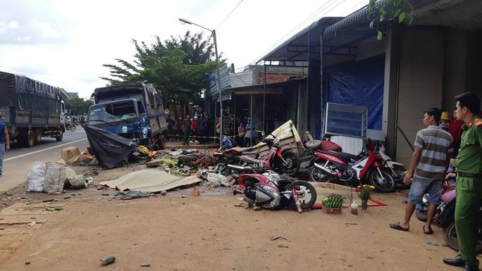 Vụ tai nạn thảm khốc tại Đắk Nông: Nạn nhân kể lại giây phút kinh hoàng - Ảnh 1.
