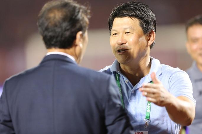 Vì sao Chủ tịch kiêm HLV trưởng Sài Gòn FC Vũ Tiến Thành không còn phát biểu sau trận? - Ảnh 3.