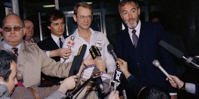 Trial by Media: Những bản án của phiên tòa công luận - Ảnh 1.