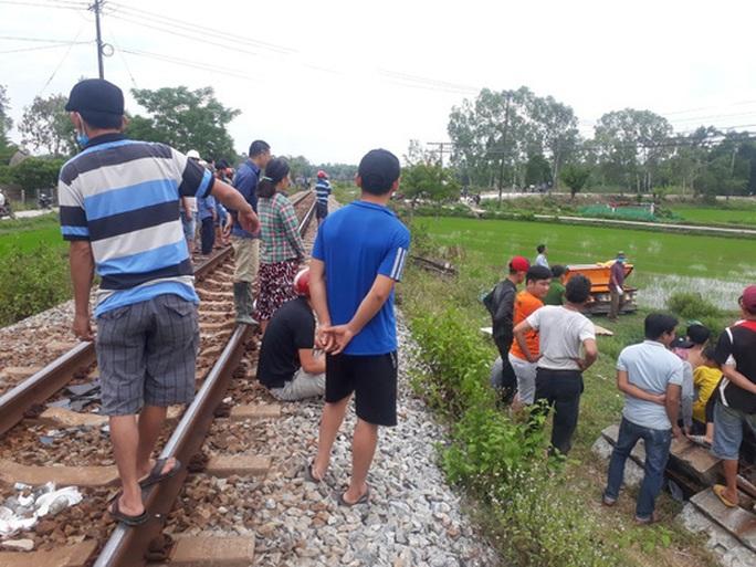 2 vụ tai nạn đường sắt, 2 người tử vong - Ảnh 4.