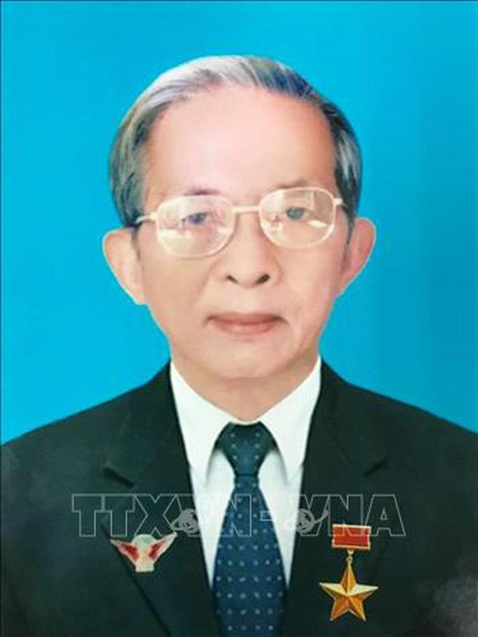 Tin buồn ông Trần Quốc Hương - Ảnh 1.