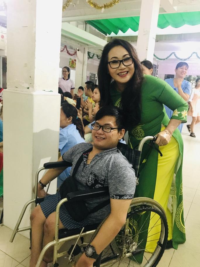 Nghệ sĩ Thanh Hằng đem tiếng hát đến trẻ em mồ côi - Ảnh 8.