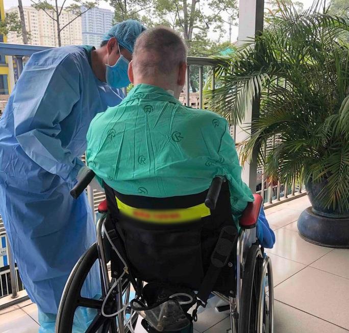 Tròn 2 tháng Việt Nam không có ca bệnh Covid-19 trong cộng đồng, bệnh nhân 91 đã tự thở bình thường - Ảnh 2.