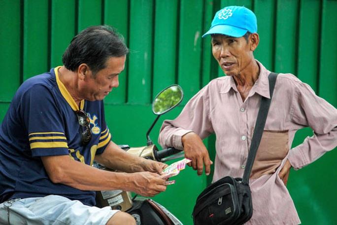 Không để hộ nghèo, cận nghèo phải vay tín dụng đen - Ảnh 1.