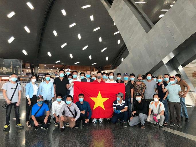 Sân bay Tân Sơn Nhất đón 266 người Việt từ Trung Đông về nước - Ảnh 4.