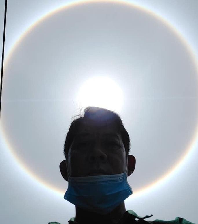 Bà Rịa-Vũng Tàu: Nhiều người thích thú với quầng sáng bao quanh mặt trời - Ảnh 2.