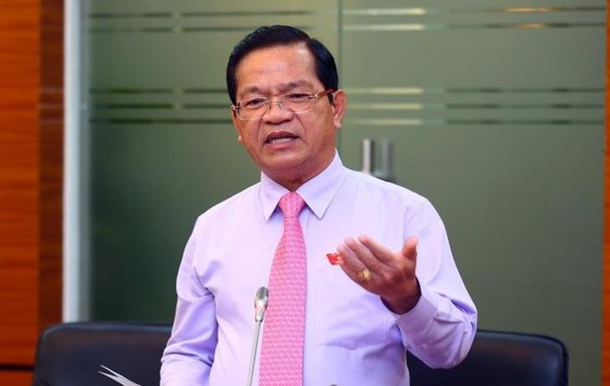 Bộ Chính trị thi hành kỷ luật Bí thư Quảng Ngãi Lê Viết Chữ - Ảnh 1.