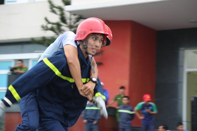 30 đơn vị tranh tài tại Hội thi nghiệp vụ chữa cháy, cứu nạn-cứu hộ - Ảnh 2.