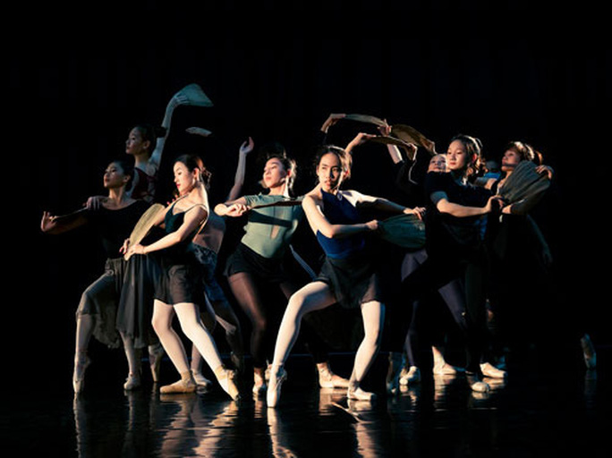 Cảm Truyện Kiều bằng ngôn ngữ ballet - Ảnh 1.