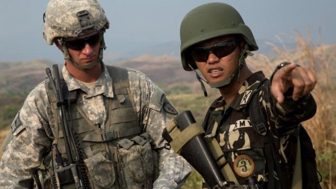 Trung Quốc đẩy Philippines xích lại gần hơn với Mỹ - Ảnh 1.