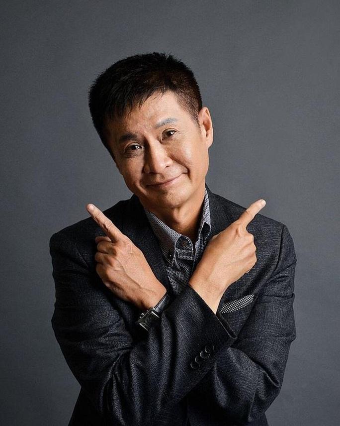 MC Quyền Linh: Nỗi buồn lớn nhất trong cuộc đời chúng ta là cố tỏ ra hạnh phúc - Ảnh 2.