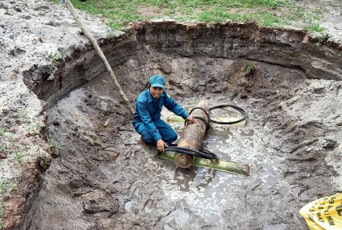 Quả bom nặng 230 kg được phát hiện ở trại giam - Ảnh 2.