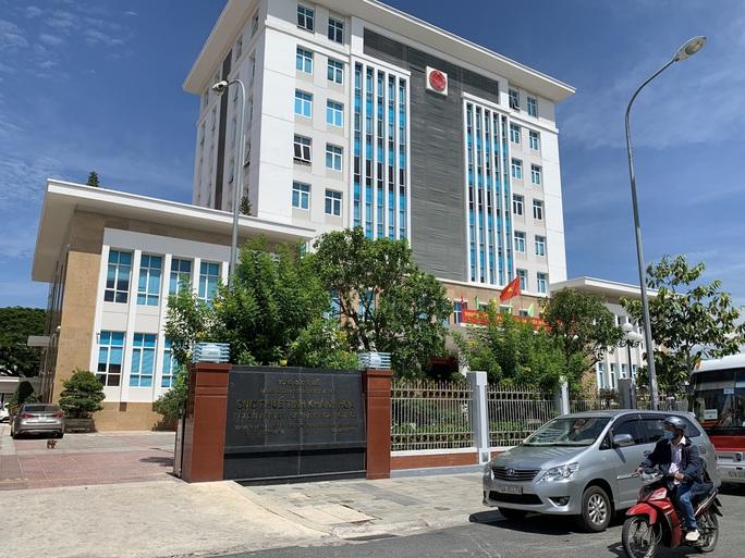 Khánh Hòa: Trụ sở trên đất vàng bỏ trống lãng phí - Ảnh 5.