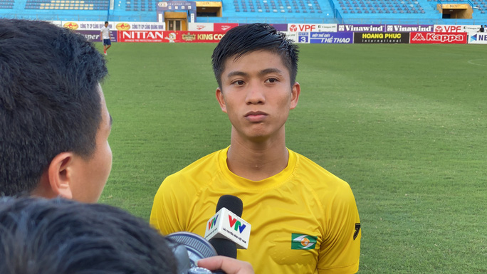 Phan Văn Đức thu hút CĐV Hà Nội trước cuộc đối đầu với Quang Hải - Ảnh 1.