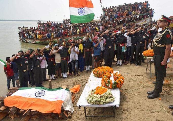 Đụng độ biên giới: Trung Quốc thả 10 binh sĩ Ấn Độ - Ảnh 2.