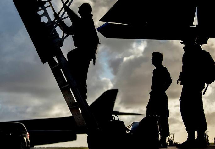 Mỹ nâng cấp tàu sân bay vĩnh viễn Guam để răn đe Trung Quốc - Ảnh 4.