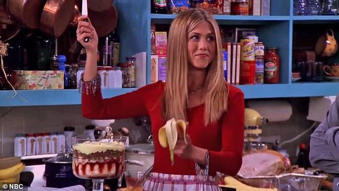 Jennifer Aniston đấu giá ảnh khỏa thân làm từ thiện - Ảnh 3.