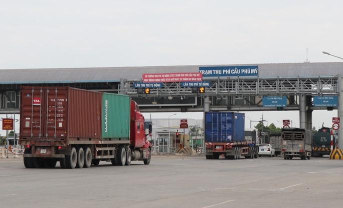 Chủ tịch Hiệp hội Vận tải Hàng hoá TP HCM nói gì về bất cập thu phí không dừng? - Ảnh 1.
