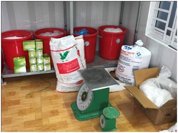 Phát hiện cơ sở sản xuất nước yến sào bằng... mủ trôm - Ảnh 1.