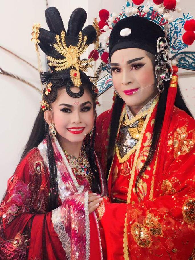 Đoàn tuồng cổ Huỳnh Long dọn nhà, ra mắt vở diễn mới - Ảnh 2.