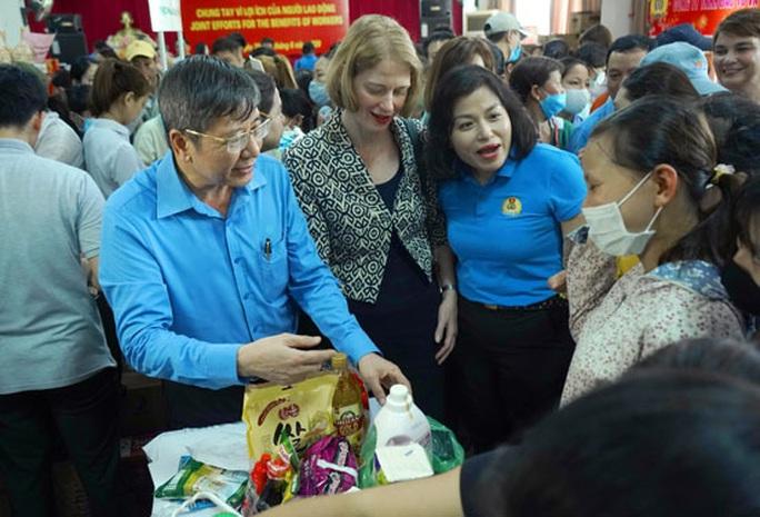 Hà Nội: Khai trương siêu thị 0 đồng phục vụ công nhân - Ảnh 1.