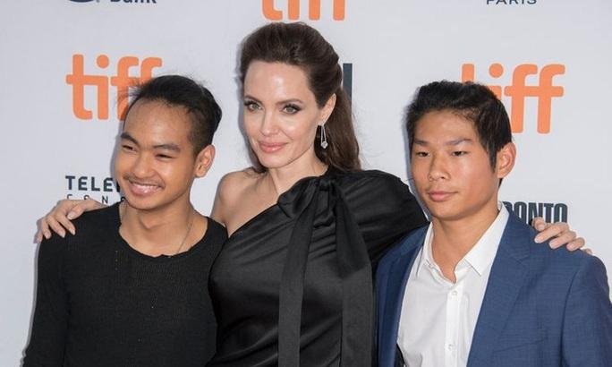 Angelina Jolie tiết lộ lý do nhận nuôi Pax Thiên - Ảnh 3.