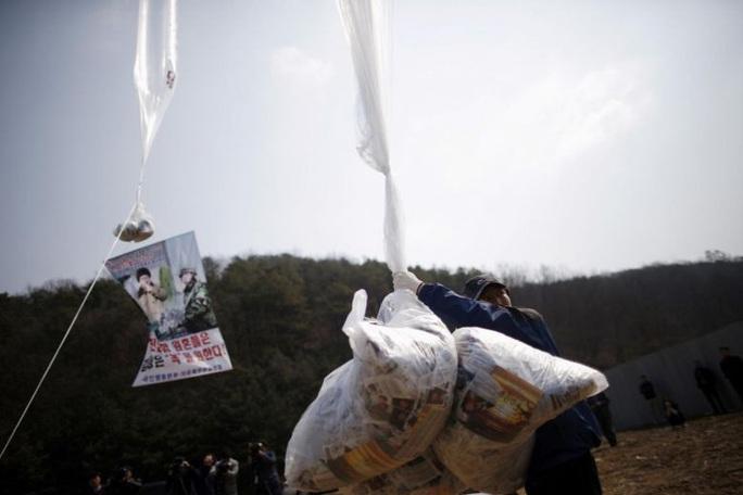 Triều Tiên tung tuyệt chiêu dồn ép Hàn Quốc - Ảnh 2.