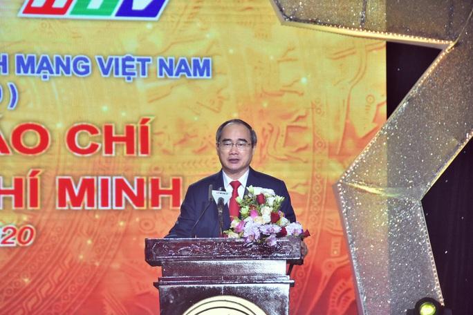 Báo Người Lao Động nhận 8 giải báo chí TP HCM - Ảnh 1.