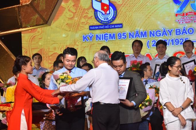 Báo Người Lao Động nhận 8 giải báo chí TP HCM - Ảnh 4.