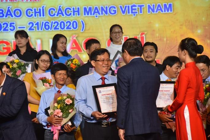 Báo Người Lao Động nhận 8 giải báo chí TP HCM - Ảnh 2.