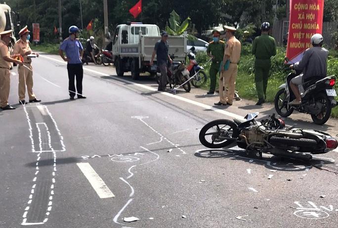 Tai nạn giữa xe tải và xe máy, 1 người chết tại chỗ - Ảnh 3.