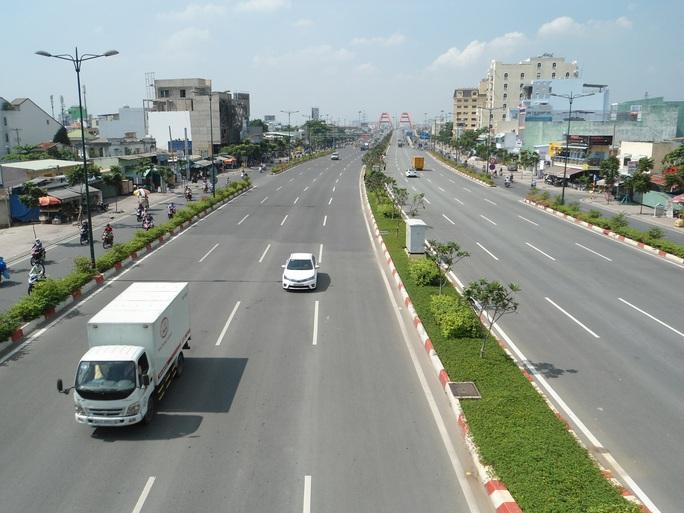 LƯU Ý: TP HCM điều chỉnh giao thông đường Phạm Văn Đồng - Ảnh 1.