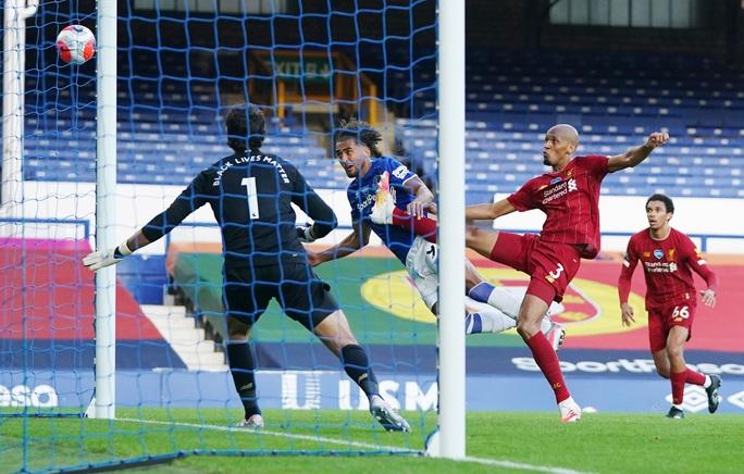 Rực lửa derby, Everton suýt gieo sầu cho Liverpool - Ảnh 3.