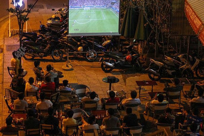 Dự kiến kiểm soát cá cược bóng đá qua ví điện tử - Ảnh 1.