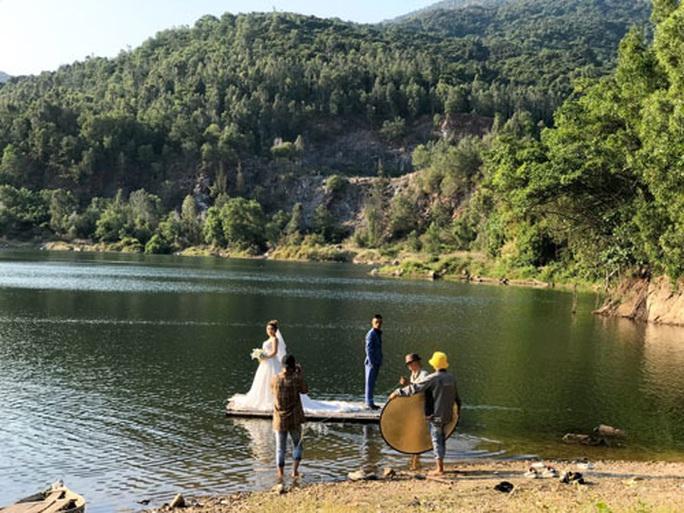 Độc đáo bãi đá Đa và hồ Xanh ở Sơn Trà - Ảnh 1.