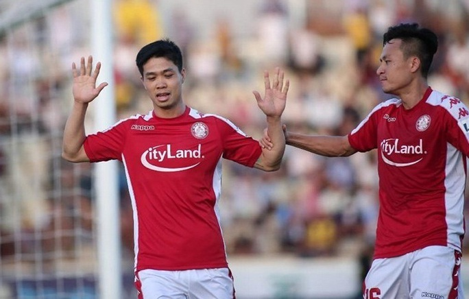 Công Phượng lại lập công, CLB TP HCM độc chiếm ngôi đầu V-League - Ảnh 2.