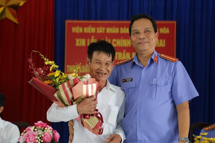 Viện KSND tỉnh Khánh Hòa bồi thường 511 triệu đồng cho người bị bắt giam oan 39 năm trước - Ảnh 1.