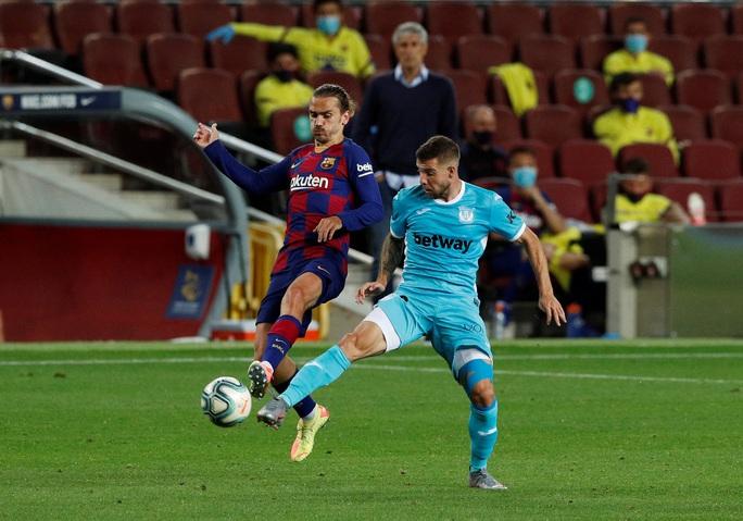Barcelona tặng quà bất ngờ sinh nhật tuổi 33 Lionel Messi - Ảnh 3.