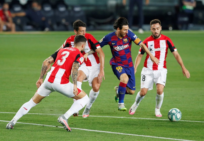 Barcelona tặng quà bất ngờ sinh nhật tuổi 33 Lionel Messi - Ảnh 4.