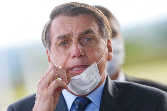 Không đeo khẩu trang, tổng thống Brazil bị thẩm phán phạt thẳng tay - Ảnh 1.
