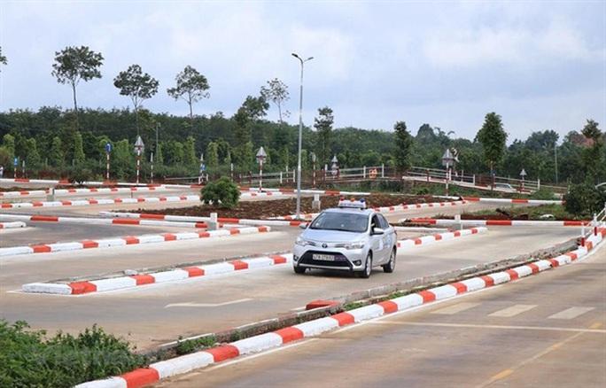 Bộ Công an muốn quản việc cấp giấy phép lái xe - Ảnh 1.