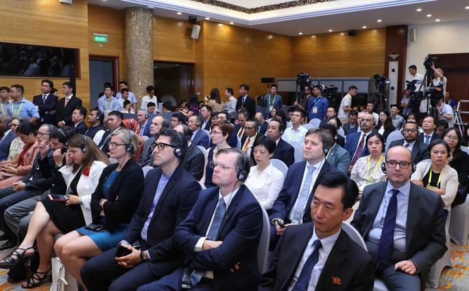 Thủ tướng: Việt Nam quan ngại những hành vi vi phạm luật pháp quốc tế - Ảnh 10.