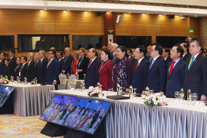 Thủ tướng: Việt Nam quan ngại những hành vi vi phạm luật pháp quốc tế - Ảnh 6.