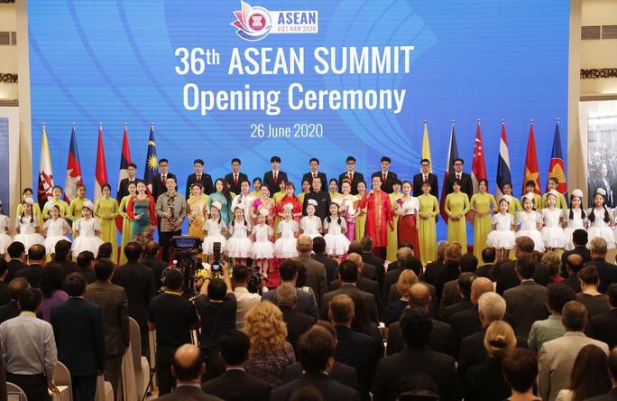 Thủ tướng: Việt Nam quan ngại những hành vi vi phạm luật pháp quốc tế - Ảnh 5.