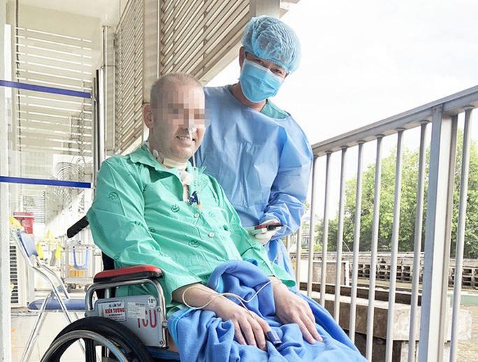 Thêm 2 trường hợp mắc Covid-19, Việt Nam có 355 ca bệnh - Ảnh 2.