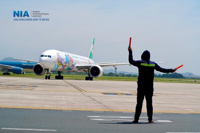 Đột nhập khu bay Nội Bài trong cái nắng nóng cực điểm hơn 62 độ C - Ảnh 6.