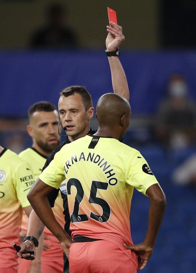 Thảm bại trước Chelsea, Man City dâng ngôi vô địch cho Liverpool - Ảnh 6.