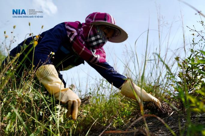 Đột nhập khu bay Nội Bài trong cái nắng nóng cực điểm hơn 62 độ C - Ảnh 17.