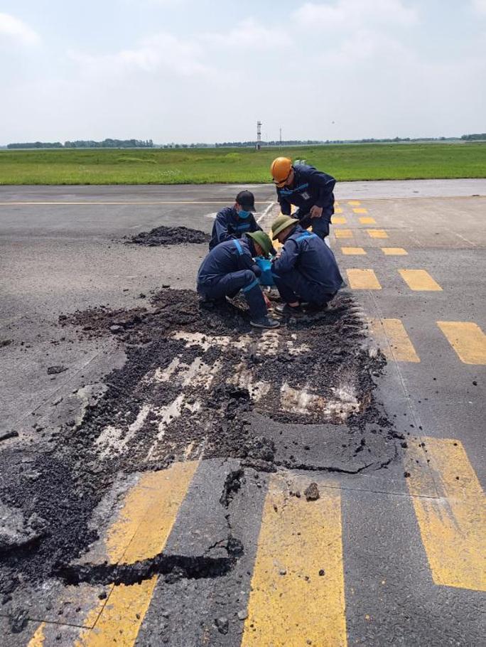 Đột nhập khu bay Nội Bài trong cái nắng nóng cực điểm hơn 62 độ C - Ảnh 28.